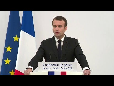 Emmanuel Macron agacé par la question d'une journaliste sur sa visite au Taj Mahal