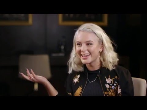 Zara Larsson @ The Hot Desk