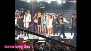 120623 THUNDER WANTED TO STAND NEXT TO IU!