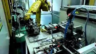 Injection molding machine automatic production