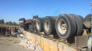 حادث مرور عين وسارة وانقلاب شاحنة