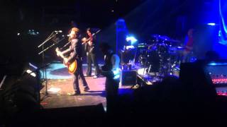 Flogging Molly - Intro + The Likes of You Again LIVE Docks Hamburg 23.11.2011