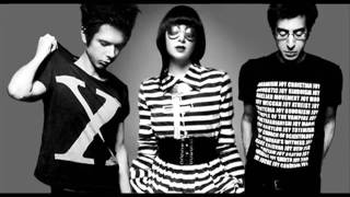 Gang of Four - I love a man in a Uniform cover by yeah yeah yeahs