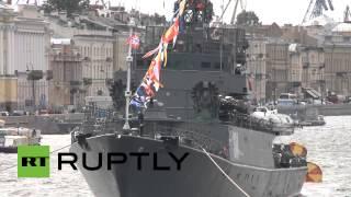 В Санкт-Петербурге прошел парад военных кораблей