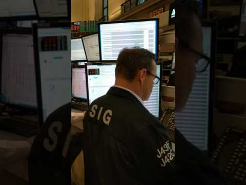 NYSE - trader in action