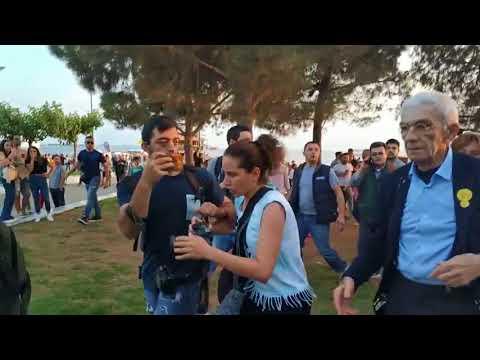 Protesters beats Thessaloniki mayor Yiannis Boutaris