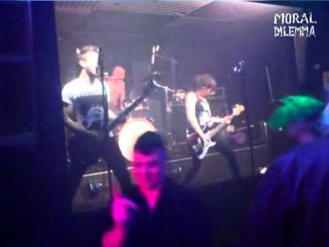 Moral Dilemma - Live At The Moorings