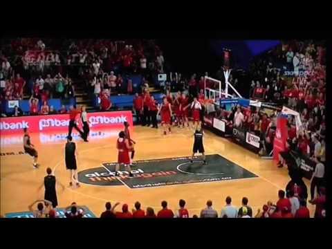 Breakers vs Wildcats NBL 2015 Amazing half court shot by Cedric Jackson