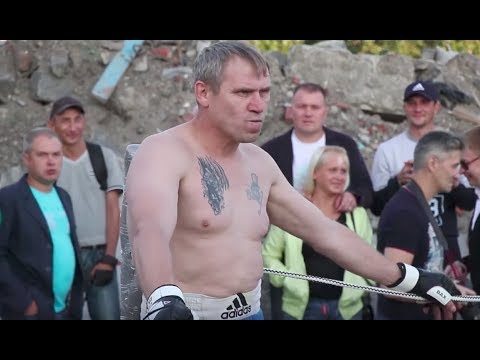 СТАРЫЙ БОКСЕР нарвался на Толстого бойца без правил!!