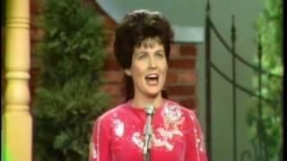 Loretta Lynn - Where No One Stands Alone