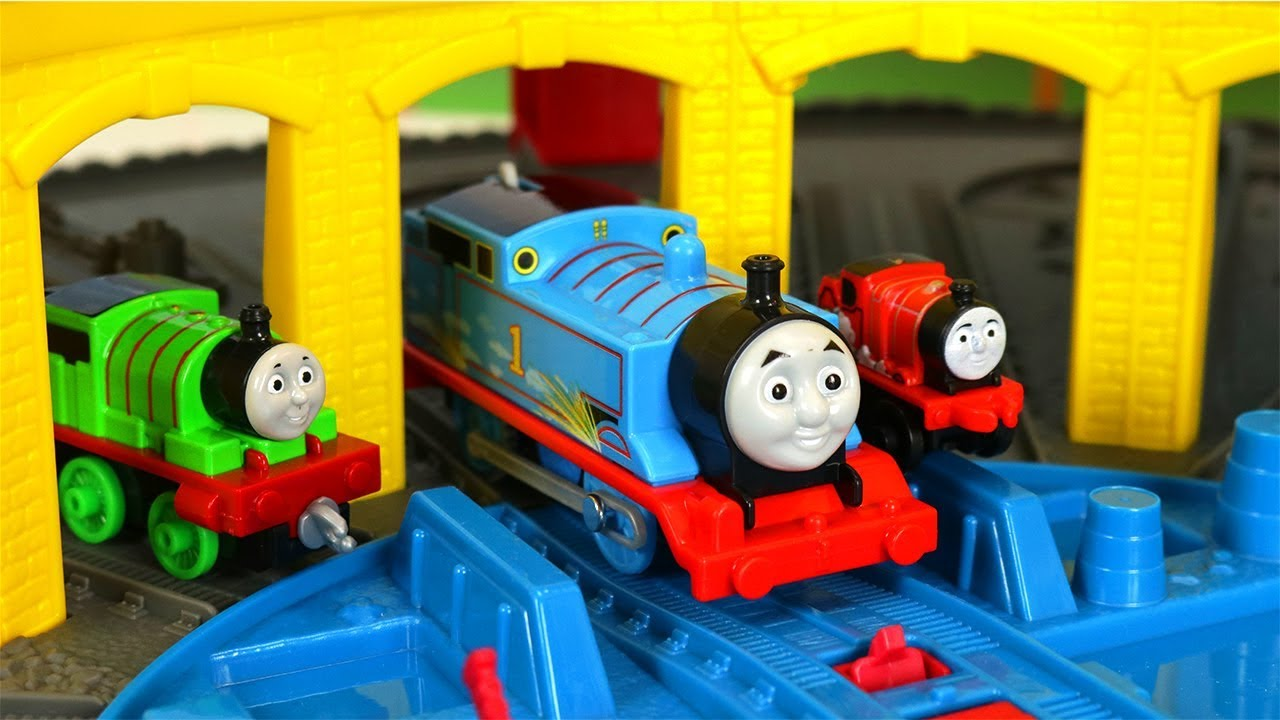 Thomas and Friends Build & Play Super Station, Steelworks, and Mini Raceway Stunt Set