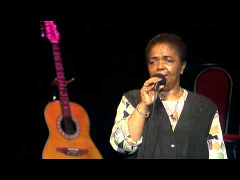Cesaria Evora - Live in Paris 1995