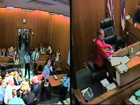 RAW VIDEO: Attack in Cleveland courtroom