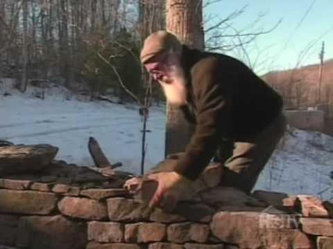 Строительство стены из натурального камня