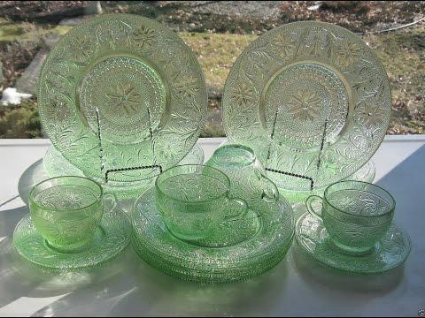 Tiara Indiana Glass Chantilly Green Sandwich Plates, Cups, Saucers 16 piece Set