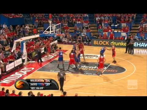 "Perth Wildcats - Adelaide 36ers (Partido 3, ""Grand Final"" NBL 2014)"