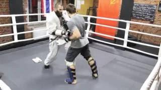 Александр Ерёменко vs Алехандро Наварро. Тренировочный бой в MAD MAX DOJO