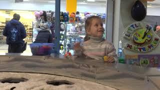 Детская магнитная рыбалка в ТРЦ часть 2 видео для детей