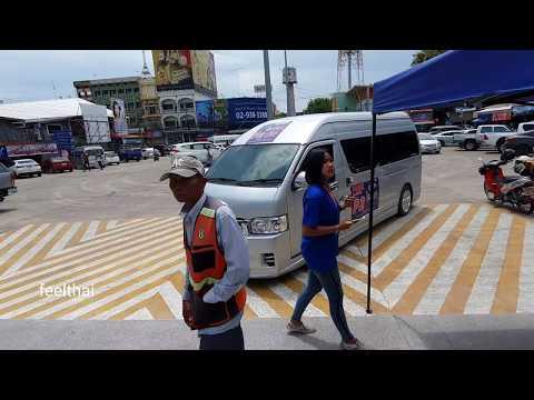 รถตู้รับส่งงาน MotoGP บุรีรัมย์ที่หน้าสถานีรถไฟบุรีรัมย์