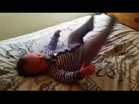 Baby does wwe move perfectly !!!