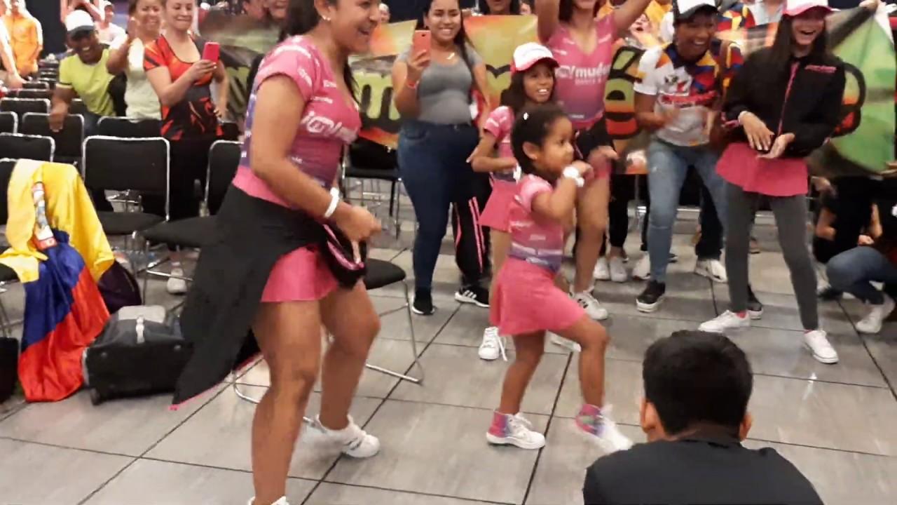 rebota - coreografia - niña bailando reggaeton  -