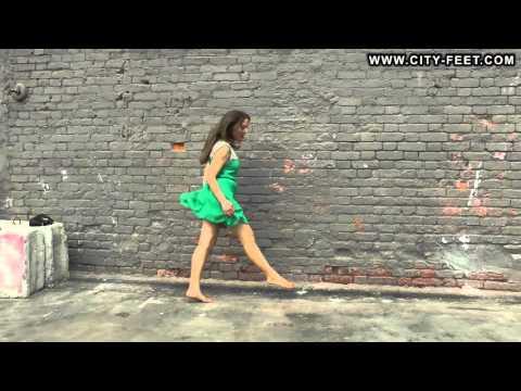 City-Feet.com - Summer barefoot fun - Kristina [3]