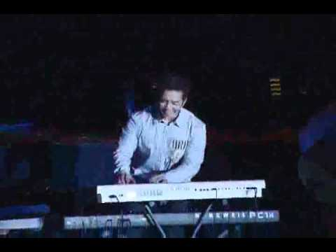 Joseph S Djafar Simple solo keyboard