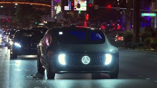 With the F 015 Luxury in Motion on the Las Vegas Strip - Mercedes-Benz original