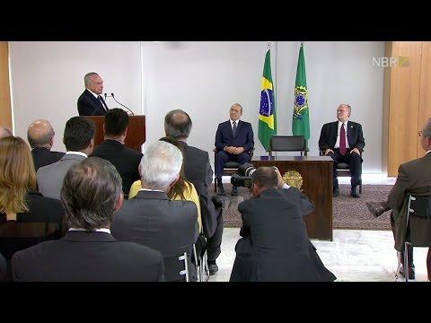 Roberto Freire toma posse como novo Ministro da cultura