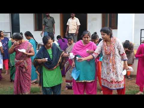 இந்த பெண்கள் என்ன செய்யுறாங்கனு தெரியுமா? - Eye cleansing - Naturopathy Camp Rajapalayam
