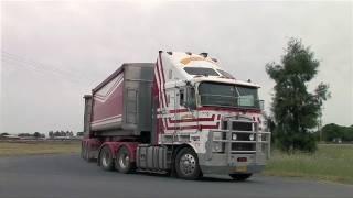 Australian Trucks: Road Trains and B Doubles at Deniliquin 2