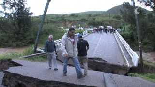 "Colapsa puente ""Tecomaxtlahuaca"" - Santiago Juxtlahuaca, Oaxaca."