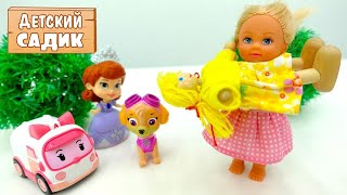Детский сад Капуки Кануки - Штеффи и игрушки