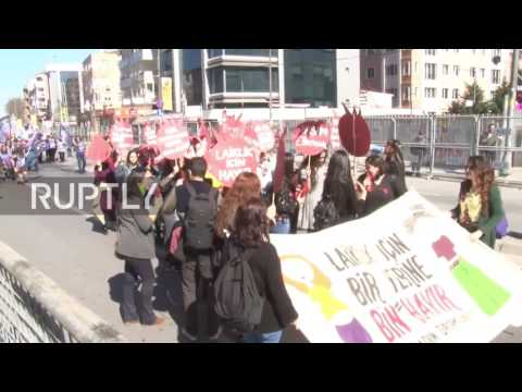 Turkey: Women rally against rights violations and constitutional referendum