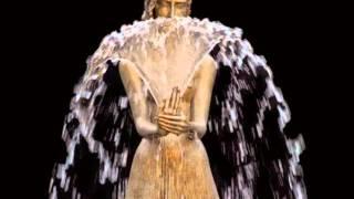 Шампанські очі i скульптури з Польщі
