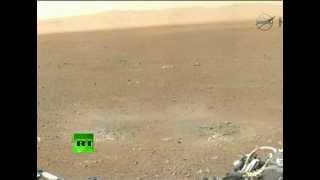 Первые панорамные снимки поверхности Марса