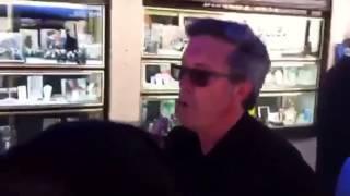 Incidente en la carpa del PP de Barcelona en el Carmel 2