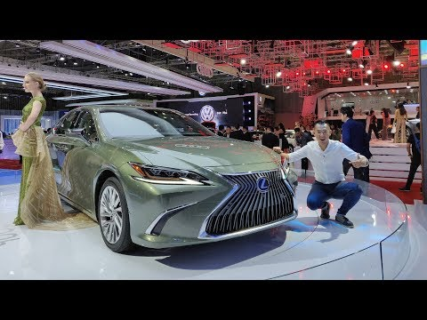 VMS 2018 - Soi chi tiết Lexus ES300h - Siêu phẩm đáng mơ ước của Nhật