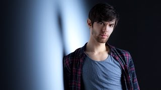 Shooting with a Softbox Grid: Take and Make Great Photography with Gavin Hoey: AdoramaTV