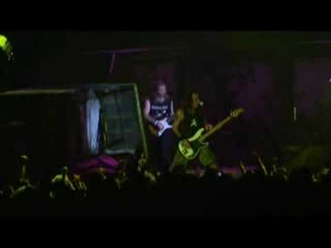 Iron Maiden-13. 2 Minutes To Midnight(Uniondale 2006) from YouTube · Duration:  6 minutes 21 seconds