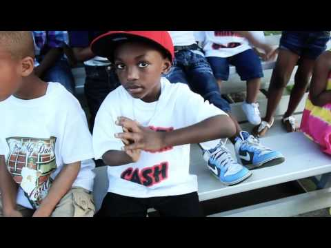 GANGSTA CASH FT. MAGNOLIA CHOP OUT THE GHETTO *VIDEO