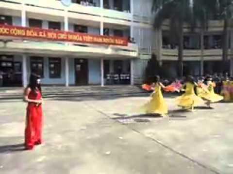 Múa Kỉ niệm mái trường - THPT Bỉm Sơn