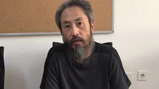 解放され、名前などを語る安田純平さん thumbnail