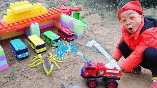 Fire Truck Toys rescues Tayo the Little Bus Escape Scorpion & Spider with Dave Mario and brother