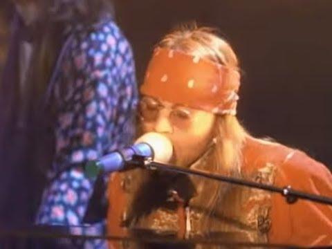 "Guns N' Roses song ""November Rain"" 1st rock song to get over one billion views on YouTube.."