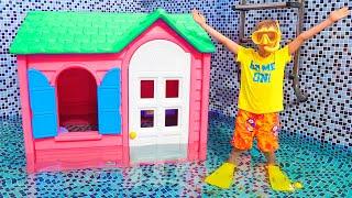يلعب فلاد ونيكي مع قصص بيوت الأطفال للأطفال