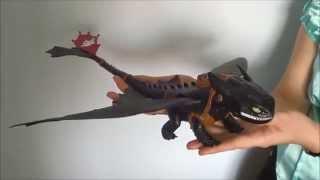 Большой дракон Беззубик, дышит огнем от САКС Игрушки Новосибирск(В видео-обзоре я расскажу вам о бренде Драконы известного канадского производителя Спин мастер. Мультфиль..., 2014-04-07T10:16:03.000Z)