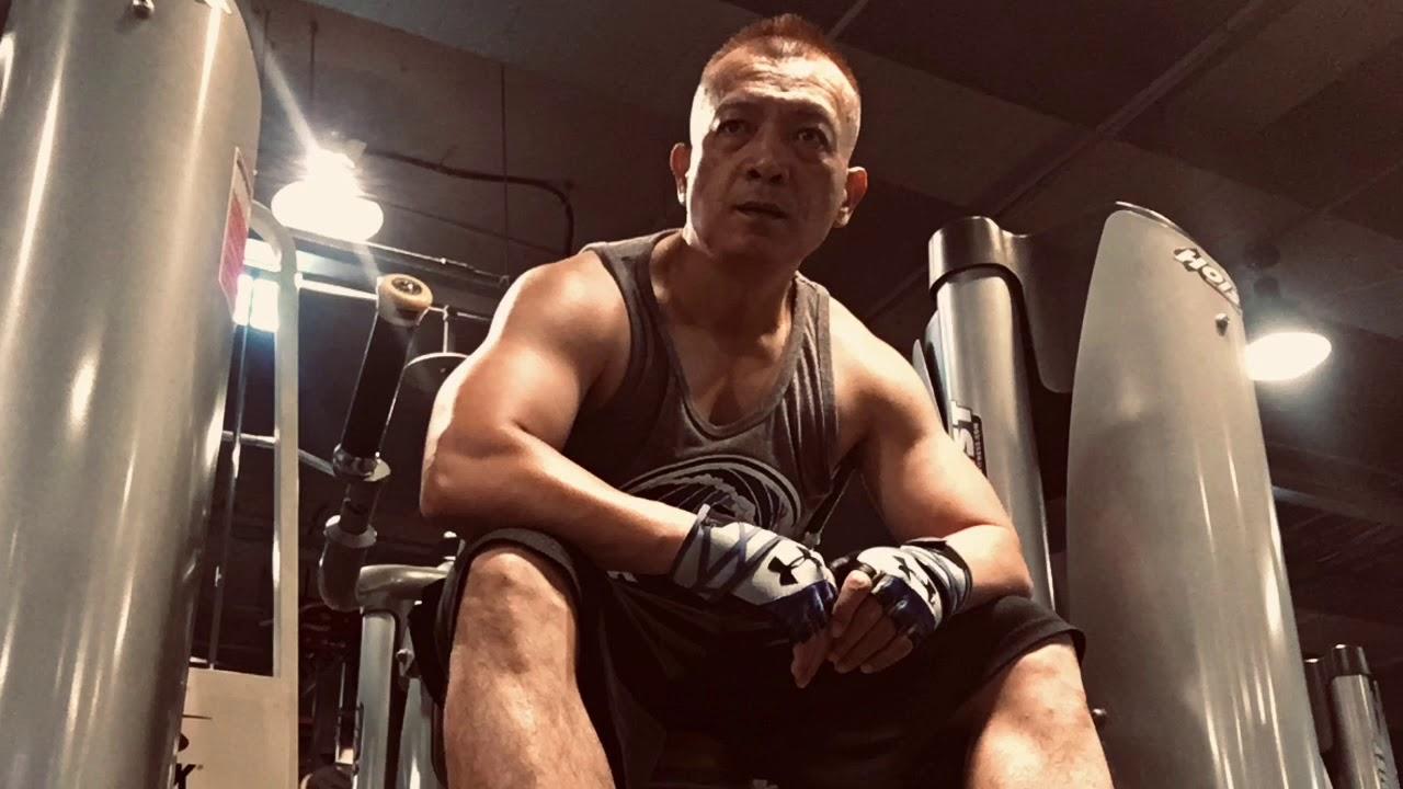 鍛鍊強壯的肩膀肌肉 廖哲嘉腹腹得正六塊腹肌訓練計畫60天(第46天)還有14天 - YouTube