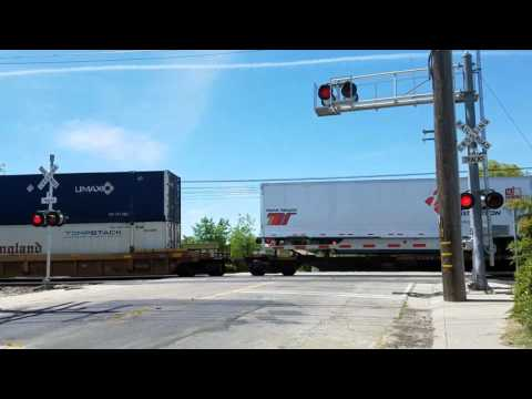 26th Avenue Railroad Crossing, UP 8134 Intermodal ZLCBR Northbound, Sacramento CA