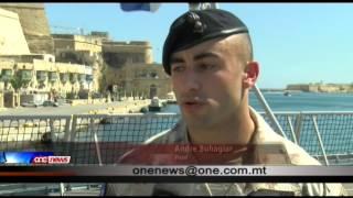 Jaslu lura f'pajjiżna, s-suldati tal-forzi armati ta' Malta.